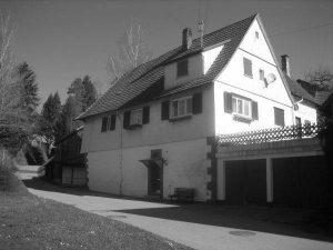 Tagelöhnerhaus Nr. 4, früher Fam. Bauer heute Haas