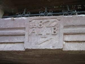 Neuer Türsturz nach dem Wiederaufbau 1822
