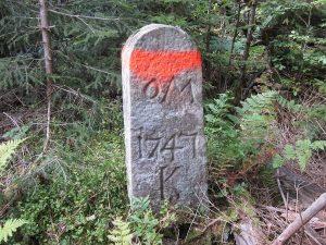 Ein Grenzstein von 1747 auf dem Kienberg