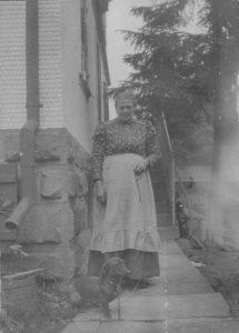 Frau Hofer um 1920