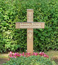 Grab Oberleutnant Bickner in Untermusbach