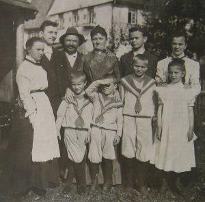 Die Familie von Emil Hamma um 1900 in Obermusbach