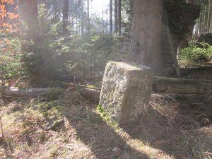 Großer Grenzstein Untermusbach-Hallwangen