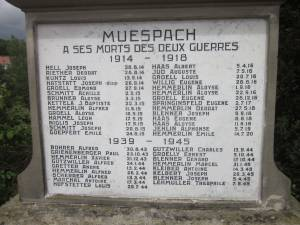 Erinnerung an die Toten der Kriege mit vielen deutschen Namen