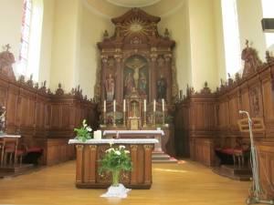 Kirche Niedermuespach innen mit Altar